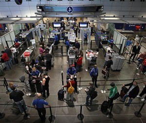 201311-w-airport-security-checkpoints-minneapolis-st-paul-international-airport